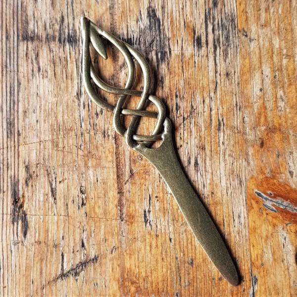 Haarnadel FREYA, messingfarbener keltischer Knoten