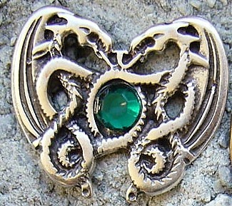 N-211-1 Dragonheart Smaragd, silberfarbener Beschlag