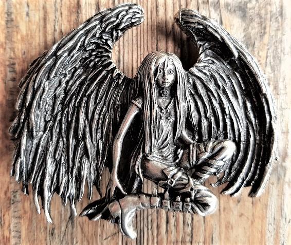 Punk-Angel, silberfarbene Koppelschließe