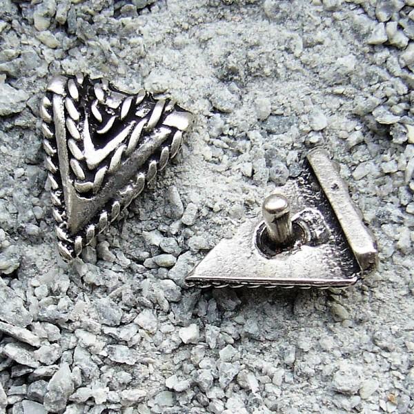 N-188-1 Randniete Dreieck, silberfarbener Beschlag