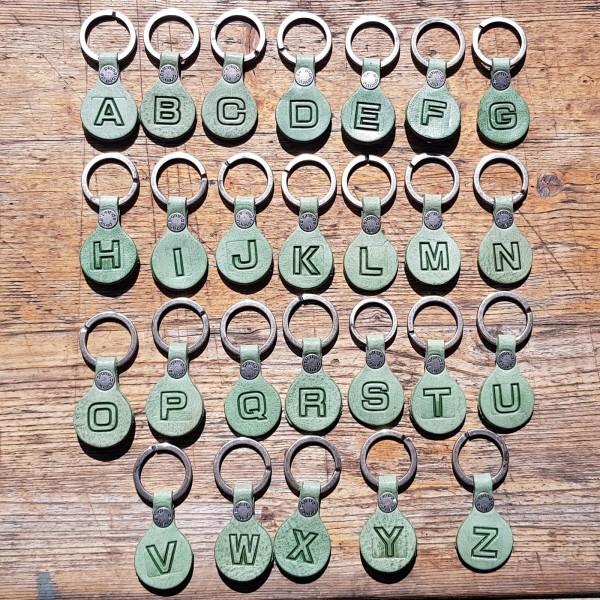 Schlüsselanhänger BUCHSTABE - PURISTISCH