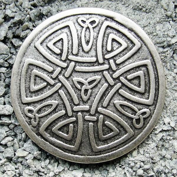 keltischer Knoten, Beschlag silberfarben
