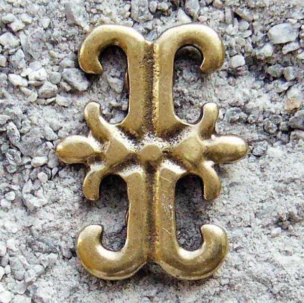 Lilien-Kreuz, messingfarbener Beschlag