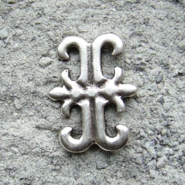 Lilien-Kreuz, silberfarbener Beschlag