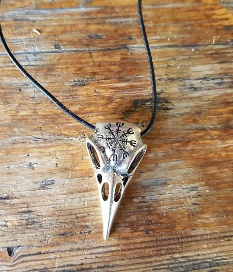 Halskette Raben-Schädel 'AEGISHJALMUR', silberfarben