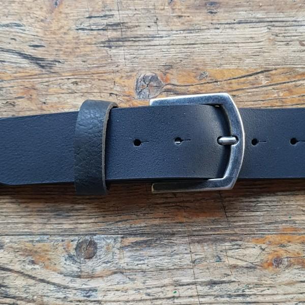 FRED, 4,5cm, schwarzer Büffelledergürtel, alteisenfarbene Schließe