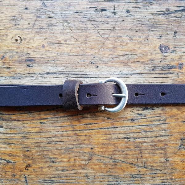 INDI, 2cm, dunkelbrauner Büffelledergürtel, altsilberfarbene Schließe
