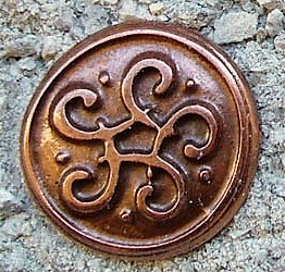 kleiner keltischer Wirbelknoten, kupferfarben