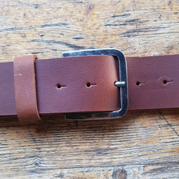 BASE five, 5cm, cognacfarbener Büffelledergürtel, alteisenfarbene Schließe