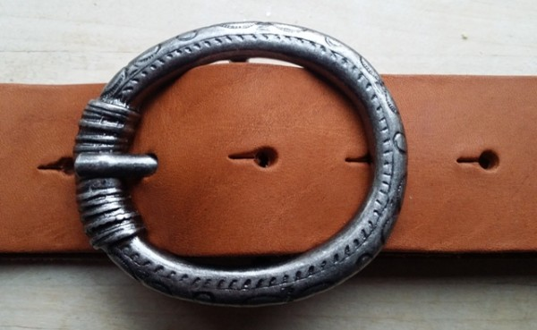 Reif, 4cm, eisenfarbene ovale Dorn-Vollschließe