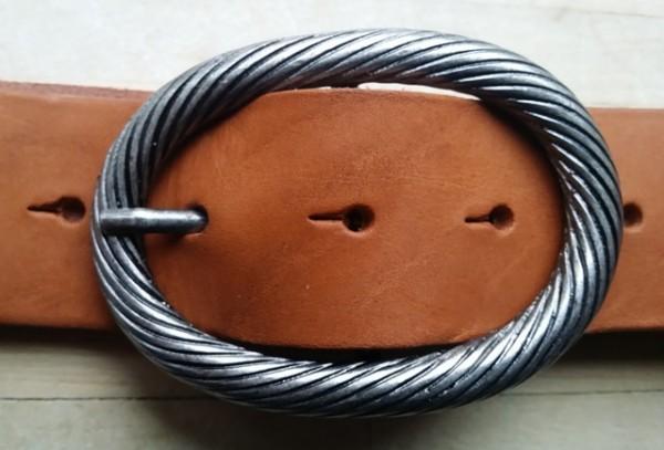 Trosse, 4cm, eisenfarbene gedrehte Dorn-Vollschließe