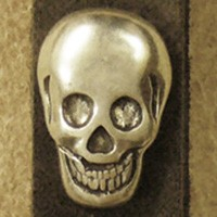 Skull, silberfarbener Beschlag