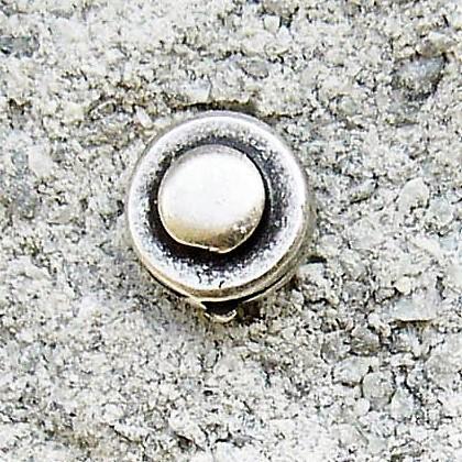 N-143-1 Stud, Beschlag silberfarben