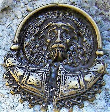 Odin, altmessingfarbener Beschlag